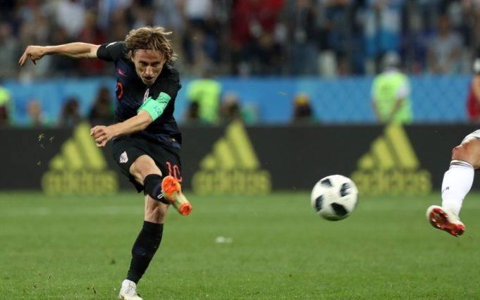 xLuka-Modric-Lionel-Messi-World-Cup-Russia-Croatia-vs-Argentina-681x426.jpeg.pagespeed.ic.oFNORLsTBr