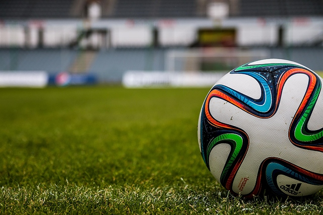 soccer-ball-on-grass-3000x2000_24882