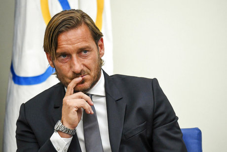 Italy Soccer Roma Totti Leaves